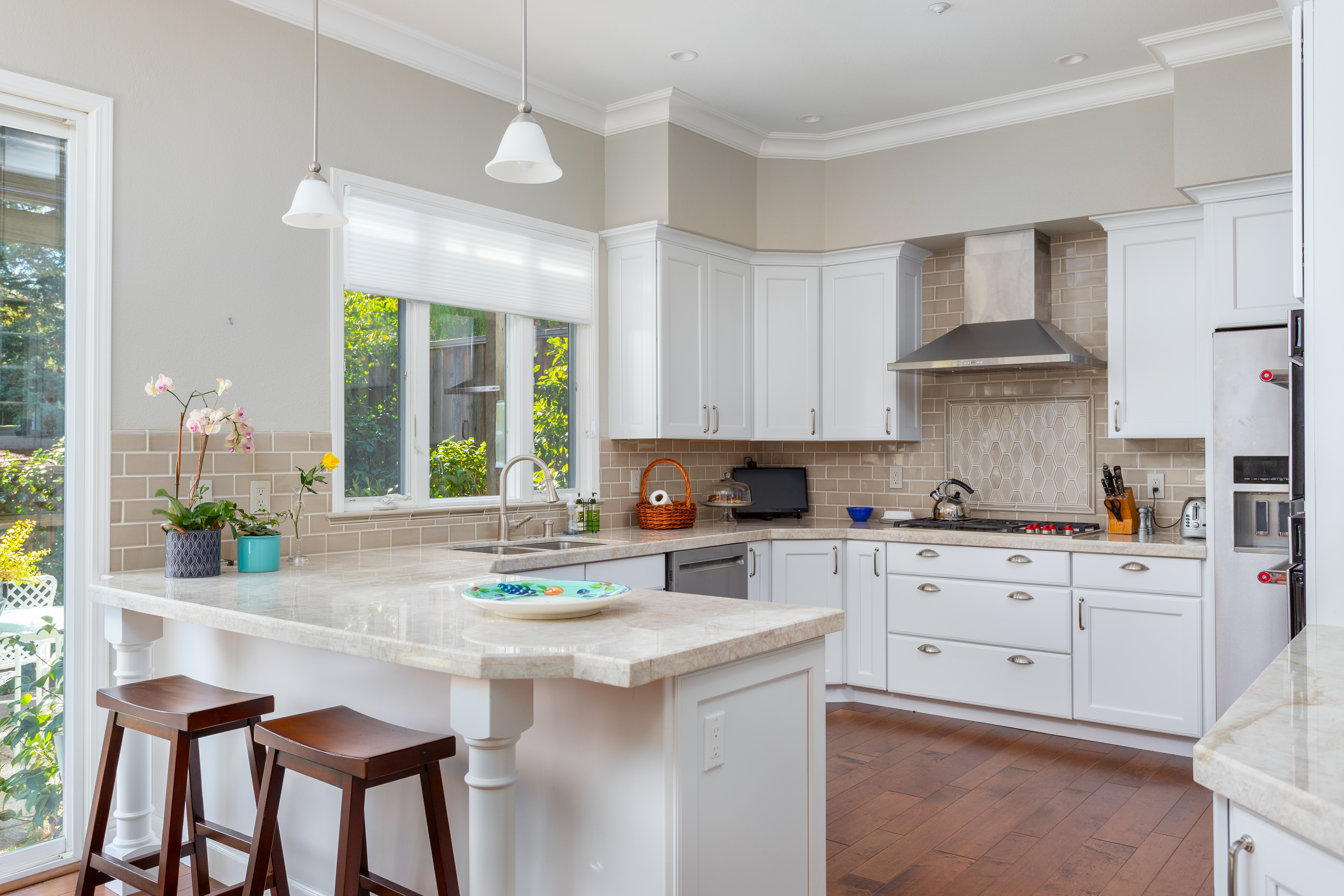 65 Kitchens With Peninsulas Photos